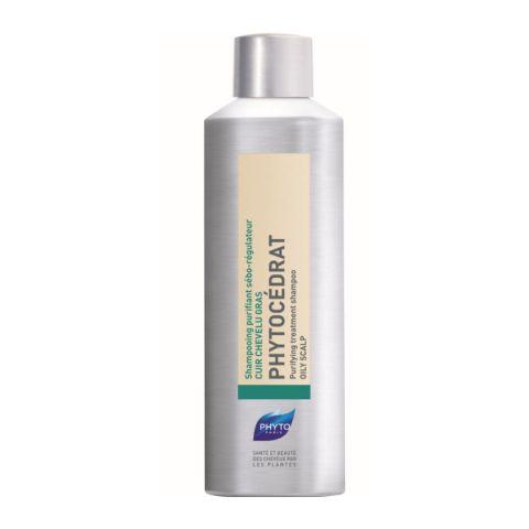 Фито Фитоцедра Шампунь для жирных волос себорегулирующий (Флакон 200 мл)Шампуни и бальзамы для волос<br>Фитоцедра имеет мягкую моющую основу растительного происхождения, которая не провоцирует гиперсеборею. Активные растительные компоненты, герань и эфирное масло цитрона, известные своими вяжущими свойствами, а также комплекс из 9 растений (мыльнянка, лапчатка, лопух, девясил, крапива, розмарин, пастушья сумка, шалфей, окопник)  нормализуют деятельность сальных желез и снижают производство себума, способствуют оздоровлению кожи головы.<br><br>Объем мл: 200<br>Тип кожи: жирной