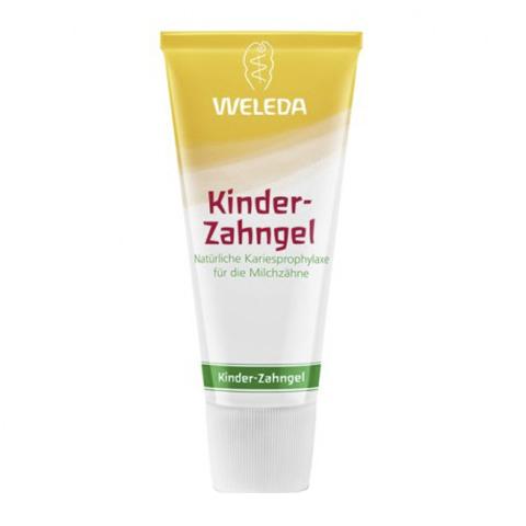 Веледа Детская Зубная паста-гель (Туба 50 мл)Для детей<br>Weleda Kinger-Zahnge (Веледа Беби Зубная паста-гель) для молочных зубов. <br>Чтобы бережно очистить зубы вашего малыша, не повреждая эмаль, используйте детскую зубную пасту Weleda Kinger-Zahnge. Средство содержит только натуральные компоненты, безопасные даже при проглатывании. Основное чистящее вещество, диоксид кремния, бережно очищает зубы, не повреждая эмаль. Экстракт календулы способствует укреплению десен. Приятный вкус и аромат, который нравится детям, основан на использовании эфирных масел. При регулярном применении зубной пасты вы защитите зубы ребенка от образования налета и кариеса. Натуральность Зубной детской пасты-геля Веледа подтверждена сертификатом NaTrue.<br>Активные компоненты: <br>диоксид кремния нежно очищает зубы ребенка, не повреждая эмаль; <br>экстракт цветков календулы укрепляет десны, способствует гармоничному развитию эпителия; <br>смесь ароматных масел делает вкус и запах пасты приятным. <br>Не содержит фтора, пенообразующих веществ, подсластителей, ГМО, искусственных консервантов.<br><br>Объем мл: 50<br>Тип кожи: всех типов