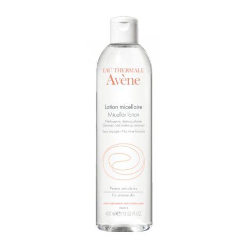 Авен Очищающий мицеллярный лосьон  (Флакон 400 мл)Уход за лицом<br>Avene Micellar lotion (Авен Очищающий мицеллярный лосьон) для всех типов, чувствительной кожи.<br>Очищающий мицеллярный лосьон Avene Micellar lotion мягко очищает от повседневных загрязнений и макияжа чувствительную кожу, склонную к появлению раздражения, а также губы и область вокруг глаз.<br>Мицеллы лосьона нежно и эффективно очищают лицо, увлажняющие компоненты натурального происхождения обеспечивает гидратацию нежной кожи день за днем. Высокая концентрация термальной воды Avene не дает появляться покраснениям и чувству стянутости, придает коже свежесть и сияние.<br>Активные компоненты:<br>термальная вода Aveneсмягчает, увлажняет и успокаивает кожу;<br>бисабололснимает раздражение, увлажняет, делает кожу эластичной.<br>Не содержит парабенов.<br><br>Объем мл: 400<br>Тип кожи: всех типов, чувствительной
