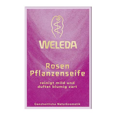 Веледа Роза Мыло растительное (Плитка 100 г)Уход за лицом<br>Weleda Rosen Pflanzenseife (Веледа Роза Мыло растительное) для кожи всех типов, в том числе чувствительной.<br>Мыло с благородным ароматом дамасской розы Weleda Rosen Pflanzenseife образует приятную кремообразную пену, которая очищает кожу от загрязнений и излишков себума, сохраняет естественный уровень рН и гидролипидную пленку.<br>Благодаря действию натуральных ингредиентов с мощными увлажняющими, смягчающими, успокаивающими и восстанавливающими свойствами, Веледа Роза Мыло растительное делает кожу нежной, гладкой и упругой. После его применения нет дискомфорта от стянутости и раздражения.<br>Активные компоненты:<br>пальмитат натрия, кокоат натрия и оливат натрия – растительные ПАВ, не сушат и не раздражают кожу;<br>глицерин обеспечивает моментальное смягчение и длительное увлажнение;<br>экстракт дамасской розы успокаивает, увлажняет и тонизирует кожу, препятствует шелушению, стимулирует регенерацию клеток.<br><br>Тип кожи: всех типов, чувствительной