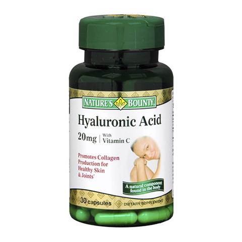 Нэйчес Баунти Гиалуроновая Кислота 20мг (30 капсул)Здоровье<br>Natures Bounty Hyaluronic Acid 20 mg (Нэйчес Баунти Гиалуроновая Кислота 20 мг).<br>Восполните запасы гиалуроновой кислоты в организме, принимая Natures Bounty Hyaluronic Acid 20 mg. Гиалуроновая кислота необходима для выработки и поддержания вязкости синовиальной жидкости, формирования тканей суставов, нормального обмена веществ в хрящах, улучшения скольжения суставных поверхностей при движении. На ранних стадиях артроза прием Нэйчес Баунти Гиалуроновой Кислоты 20 мг поможет притупить боль и повысить свободу движений. Гиалуроновая кислота способствует поддержанию увлажненности кожи и предотвращению ее сухости. Препарат содержит также витамин С, который стимулирует выработку организмом коллагена, необходимого для здоровья суставов и кожи.<br>Активные компоненты: <br>гиалуроновая кислота поддерживает здоровье суставов и хрящевой ткани, необходима для обеспечения водного баланса кожи; <br>витамин С способствует выработке коллагена, который нужен для правильной работы суставов и поддержания молодости кожи. <br>Без искусственных красителей<br>Не содержит сахара и подсластителей, глютена, лактозы.<br><br>Тип кожи: всех типов