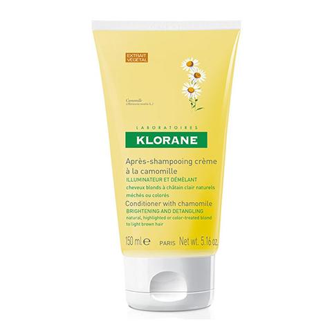 Клоран Крем-блеск с Ромашкой для светлых волос (Туба 150 мл)Шампуни и бальзамы для волос<br>Подходит для натуральных светлых, окрашенных и мелированных волос. Облегчает расчесывание и питает сухие и поврежденные светлые волосы.<br>Восстанавливающие компоненты в высокой концентрации проникают глубоко в структуру волос, возвращая им мягкость.<br><br>Объем мл: 150<br>Тип кожи: всех типов