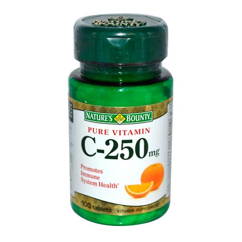 Нэйчес Баунти Витамин С чистый 250 мг (100 таблеток)Здоровье<br>Natures Bounty Pure Vitamin C 250 mg (Нэйчес Баунти Витамин С чистый 250 мг). <br>Биологически активная добавка Natures Bounty Pure Vitamin C 250 mg обеспечит поступление в организм необходимого количества витамина С, который ежедневно должен содержаться в нашем рационе. Тело человека не накапливает аскорбиновую кислоту, высокая потребность в которой сохраняется в течение всего дня. Витамин С участвует в обмене веществ, усиливает сопротивляемость организма инфекциям, защищает от окислительного стресса, вызываемого неблагоприятными условиями внешней среды и стрессами. Препарат Нэйчес Баунти Витамин С чистый 250 мг поможет поддержать эластичность, упругость кожи, а также здоровье хрящей и сосудов, поскольку стимулирует выработку коллагена. При повышенных физических нагрузках, плохой экологии, курении потребность в аскорбиновой кислоте увеличивается.<br>Активные компоненты: <br>витамин С укрепляет иммунитет, проявляет антиоксидантные свойства, участвует в выработке коллагена, используется для обмена веществ.<br><br>Тип кожи: всех типов