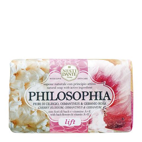 Нести Данте Философия Мыло Лифтинг (Плитка 250 г)Уход за лицом<br>Nesti Dante Philosophia Lift Soap (Нести Данте Философия Мыло Лифтинг) для кожи всех типов, в том числе чувствительной.<br>В формулу мыла Nesti Dante Philosophia Lift Soap входят ингредиенты с мощными регенерирующими и антиоксидантными свойствами: витамины А и Е, экстракт  шиповника. Поэтому при его регулярном применении кожа становится более плотной, упругой и эластичной, замедляются процессы возрастного старения.<br>Нести Данте Мыло Лифтинг благоухает нежными ароматами цветов вишни и розовой герани. Мягкая моющая основа из оливкового и пальмового масел образует пышную пену в воде любой жесткости, не пересушивает и не раздражает кожу.<br>Активные компоненты:<br>пальмитат и кокоат натрия идеально очищают кожу, сохраняя ее гидролипидную пленку и естественный уровень рН;<br>красное пальмовое масло дезинфицирует, разглаживает, увлажняет и смягчает кожу, защищает клетки от повреждений свободными радикалами;<br>глицерин делает кожу мягкой и гладкой, предотвращает пересыхание эпидермиса;<br>витамины А и Е тонизируют кожу, активизируют регенерацию клеток и продлевают их жизненный цикл, укрепляют эластин-коллагеновый каркас;<br>экстракт плодов шиповника омолаживает кожу и усиливает ее защитные функции, улучшает цвет лица;<br>тетранатрия этидронат обезвреживает ионы тяжелых металлов, нейтрализует жесткие соли воды.<br>Протестировано дерматологами<br>100% биоразлагаемое<br><br>Тип кожи: всех типов, чувствительной