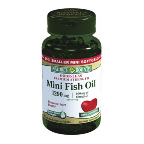 Нэйчес Баунти Омега-3 900мг (90 капсул)Здоровье<br>Natures Bounty Odor-Less Premium Strength Fish Oil 900 mg (Нэйчес Баунти Омега-3 900 мг). <br>Необходимые для здоровья полиненасыщенные жирные кислоты Омега-3 не вырабатываются организмом, поэтому их следует ежедневно употреблять вместе с пищей. Препарат Natures Bounty Odor-Less Premium Strength Fish Oil 900 mg содержит Омега-3, полученные из печени холодноводных морских рыб (тунец, лосось, скумбрия). Прием капсул помогает предотвратить атеросклероз, болезни органов зрения, замедлить процесс тромбообразования, поддерживать тонус кровеносных сосудов, нормализовать давление. Омега-3 необходимы для работы мозга: улучшают память и внимание, предупреждают болезнь Альцгеймера. От их содержания в организме зависит здоровье кожи, волос, ногтей, слизистых оболочек. Благодаря противовоспалительным свойствам Нэйчес Баунти Омега-3 900 мг улучшает состояние пациентов с заболеваниями суставов. При регулярном приеме капсул повышается физическая и умственная выносливость, улучшается настроение, снижается риск возникновения аллергии. Технология изготовления препарата предусматривает очищение сырья методом молекулярной дистилляции, что исключает наличие вредных веществ в продукте. Мини-капсулы легко глотать, их покрытие не позволяет проявиться запаху рыбы и неприятному послевкусию после приема.<br>Активные компоненты: <br>полиненасыщенные жирные кислоты Омега-3 поддерживают здоровье сердечно-сосудистой, иммунной, нервной систем, органов зрения, улучшают состояние кожи, волос и ногтей. <br>Без консервантов<br>Не содержит сахара, подсластителей, лактозы, глютена.<br><br>Тип кожи: всех типов