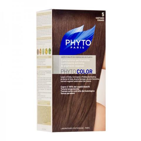 Фито Фитоколор Краска для волос (Набор, 5 Светлый шатен)Окрашивание волос<br>Фитоколор – первая стойкая краска, сочетающая высокие технологии и глубокое знание растений, бережно относящаяся к волосам и чувствительной коже головы. Краска содержит от 57% до 61% красящих пигментов (индиго, бразильское дерево, кореопсис, дрок), издревле применяемых в качестве натуральных красителей, а также эфирное масло сладкого апельсина, обеспечивающее глубокое питание волосяного стержня. Благодаря инновационной идее, совместившей в себе высокие технологии и познания в области растений, в свет вышла краска PHYTO COLOR. Это краска, которая: - закрашивает 100% седых волос с первого же окрашивания; - обеспечивает высокую устойчивость вашего цвета; -щадит здоровье кожи головы и волос.<br>СРЕДСТВО ДЛЯ УХОДА ПОСЛЕ ОКРАШИВАНИЯ обогащено эфирным маслом сладкого апельсина и содержит солнцезащитный фильтр. Это средство питает волосяной стержень и придает ему естественный яркий цвет. Кремообразная нежно парфюмированная краска PHYTO COLOR равномерно и легко распределяется по волосам. Практически не содержит аммиака, обладает приятным ароматом и обеспечивает волосам исключительный блеск. Содержит UV- фильтр.<br>Состав набора:<br>1 флакон с проявляющим молочком - 60 мл<br>1 туба с окрашивающим кремом - 40 мл<br>1 саше с защитным средством - 25 мл<br>Защитные перчатки - 1 пара<br>Инструкция<br>??Блонд<br>??<br>Шатен<br><br>Брюнет<br><br><br>Таблица поподбору цвета:<br><br>Цвет: 5 Светлый шатен<br>Тип кожи: всех типов, чувствительной