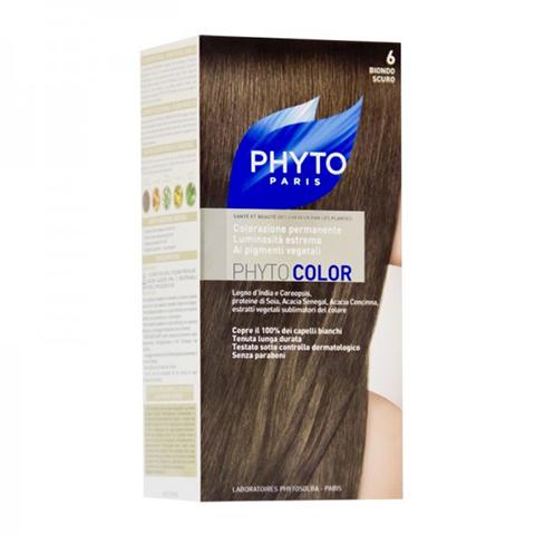 Фито Фитоколор Краска для волос  (Набор, 6 Темный блонд)Окрашивание волос<br>Фитоколор – первая стойкая краска, сочетающая высокие технологии и глубокое знание растений, бережно относящаяся к волосам и чувствительной коже головы. Краска содержит от 57% до 61% красящих пигментов (индиго, бразильское дерево, кореопсис, дрок), издревле применяемых в качестве натуральных красителей, а также эфирное масло сладкого апельсина, обеспечивающее глубокое питание волосяного стержня. Благодаря инновационной идее, совместившей в себе высокие технологии и познания в области растений, в свет вышла краска PHYTO COLOR. Это краска, которая: - закрашивает 100% седых волос с первого же окрашивания; - обеспечивает высокую устойчивость вашего цвета; - щадит здоровье кожи головы и волос.<br>Средство для ухода после окрашиванияобогащено эфирным маслом сладкого апельсина и содержит солнцезащитный фильтр. Это средство питает волосяной стержень и придает ему естественный яркий цвет.<br>Кремообразная нежно парфюмированная краска PHYTO COLOR<br>равномерно и легко распределяется по волосам,<br>?практически не содержит аммиака,<br>обладает приятным ароматом и обеспечивает волосам исключительный блеск,<br>содержит UV- фильтр.<br>Состав набора:<br>1 флакон с проявляющим молочком - 60 мл,<br>1 туба с окрашивающим кремом - 40 мл,<br>1 саше с защитным средством - 25 мл,<br>защитные перчатки - 1 пара,<br>инструкция.<br>??Блонд<br>??<br>Шатен<br><br>Брюнет<br><br><br>Таблица поподбору цвета:<br><br>Цвет: 6 Темный блонд<br>Тип кожи: всех типов, чувствительной