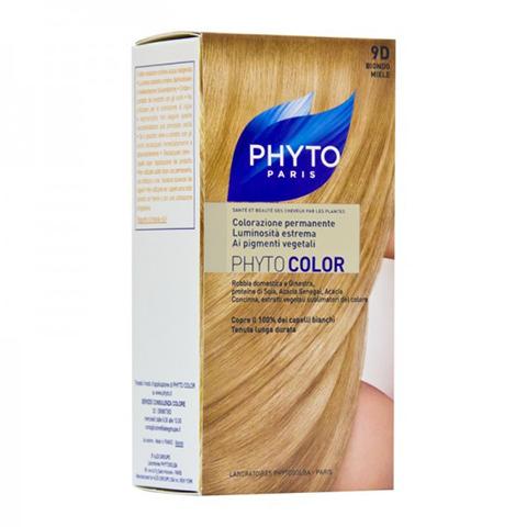 Фито Фитоколор Краска для волос (Набор, 9D Очень светлый золотистый блонд)Окрашивание волос<br>Фитоколор – первая стойкая краска, сочетающая высокие технологии и глубокое знание растений, бережно относящаяся к волосам и чувствительной коже головы. Краска содержит от 57% до 61% красящих пигментов (индиго, бразильское дерево, кореопсис, дрок), издревле применяемых в качестве натуральных красителей, а также эфирное масло сладкого апельсина, обеспечивающее глубокое питание волосяного стержня. Благодаря инновационной идее, совместившей в себе высокие технологии и познания в области растений, в свет вышла краска PHYTO COLOR. Это краска, которая: - закрашивает 100% седых волос с первого же окрашивания; - обеспечивает высокую устойчивость вашего цвета; - щадит здоровье кожи головы и волос.<br>Средство для ухода после окрашиванияобогащено эфирным маслом сладкого апельсина и содержит солнцезащитный фильтр. Это средство питает волосяной стержень и придает ему естественный яркий цвет.<br>Кремообразная нежно парфюмированная краска PHYTO COLOR<br>равномерно и легко распределяется по волосам,<br>?практически не содержит аммиака,<br>обладает приятным ароматом и обеспечивает волосам исключительный блеск,<br>содержит UV- фильтр.<br>Состав набора:<br>1 флакон с проявляющим молочком - 60 мл,<br>1 туба с окрашивающим кремом - 40 мл,<br>1 саше с защитным средством - 25 мл,<br>защитные перчатки - 1 пара,<br>инструкция.<br>??Блонд<br>??<br>Шатен<br><br>Брюнет<br><br><br>Таблица поподбору цвета:<br><br>Цвет: 9D Очень светлый золотистый блонд<br>Тип кожи: всех типов, чувствительной