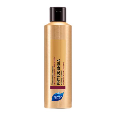 Фито Фитоденсия Шампунь уплотняющий (Флакон 200 мл)Уход за волосами<br>Phyto Phytodensia Shampooing Repulpant (Фито Фитоденсия Шампунь уплотняющий) для всех типов волос, тонких и ослабленных.<br>Омолаживающий уход с видимыми результатами для ваших волос и кожи головы – шампунь Phyto Phytodensia Shampooing Repulpant. Средство мягко очищает, действует на кожу головы и волосы по всей длине, замедляя процесс старения. Активные компоненты шампуня Фитоденсия питают и восстанавливают фолликулы, тем самым создавая условия для роста красивых и сильных волос. Кроме того, шампунь способствует уплотнению структуры волос, делает их объемными, крепкими, блестящими. После применения шампуня ваши волосы будут светиться здоровьем и молодостью.<br>Активные компоненты:<br>вернония и экстракт винограда улучшают качество кожи головы, питают, укрепляют корни волос;<br>гиалуроновая кислотаувлажняети питает волосы;<br>коллаген ?утолщаетволосы,придаетимобъем.  <br>В результате клинических испытаний комплексного применения трех продуктов Phytodensia 78% добровольцев отметили увеличение объема волос, 83% - посчитали волосы более сильными и упругими, 85% - оживленными и молодыми (испытания проводились в течение 4 недель при участии 53 добровольцев).<br><br>Объем мл: 200<br>Тип кожи: всех типов