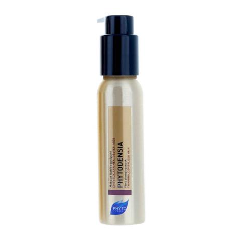 Фито Фитоденсия Маска-флюид уплотняющая (Флакон с дозатором 50 мл)Уход за волосами<br>Phyto Phytodensia Masque Fluide Repulpant (Фито Фитоденсия Маска-флюид уплотняющая) для всех типов волос, тонких и ослабленных.<br>Замечательная возможность убедиться в эффективности Маски Фитоденсия или взять ее с собой в дорогу - компактный флакон с дозатором объемом 50 мл. Используйте Phyto Phytodensia Masque Fluide Repulpant, чтобы вернуть волосам здоровый блеск и силу молодости. Активные ингредиенты в составе маски омолаживают и питают кожу головы, укрепляют волосяные луковицы, способствуют росту волос. Согласно исследованию среди 53 человек, при регулярном применении средства в течение 4-х недель заметно увеличивается объем (78% испытуемых), волосы становятся сильными и упругими (83%), живыми и полными энергии (85%).<br>Активные компоненты:<br>коллагенделает волосы плотнее;<br>вернония и экстракт винограда питают волосы и кожу головы, улучшают их структуру, способствуют активному росту;<br>гиалуроновая кислота увлажняет, восстанавливает по всей длине.<br><br>Объем мл: 50<br>Тип кожи: всех типов