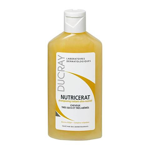 Дюкрэ Нутрицерат Шампунь сверхпитательный (Флакон 200 мл)Шампуни и бальзамы для волос<br>Дюкрэ Нутрицерат Шампунь сверхпитательный (Ducray Nutricerat Shampoo) для очень сухих волос.<br>Сухие волосы требуют особо тщательного ухода, как шампунь Дюкрэ Нутрицетат, который очень бережно очищает волосы, восстанавливая их структуру и возвращая им жизненную силу. Шампунь также облегчает расчесывание.<br>Активные компоненты:<br>Масло Илиппе удерживает влагу, предотвращает обезвоживание, смягчает, защищает в зимний период;<br>Липидовосстанавливающий комплекс способствует регенерации волоса.<br><br>Объем мл: 200<br>Тип кожи: сухой