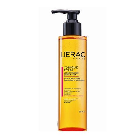 Лиерак Лосьон тонизирующий для лица и контура глаз  (Флакон с помпой 200 мл)Очищение кожи лица<br>Освежающий лосьон-тоник с экстрактами цитрусовых и витаминами. Не содержит спирт, эффективно удаляет остатки макияжа и тонизирует кожу. Не содержит спирта.<br>*ECOSKIN®: защищает и восстанавливает естественную экосистему кожи.<br> Цветочный мёд: из клубней растения якон. Стимулирует рост сапрофитной микрофлоры.  Пробиотики-детоксикаторы: Lactobacillus casei, Lactobacillus  acidophilus Стимулируют синтез Молочной кислоты и ?-дефенсинов* (*препятствует развитию Стафилококка золотистого)<br>* Экстракт мака - 0,5%: увлажнение, против морщин<br>* Экстракт апельсина - 0,5%:  придаёт энергию, выводит токсины<br>* АНА  - 0,5%: сияние кожи<br> Внимание: содержит растительные экстракты, которые могут образовывать незначительный осадок, что никак не сказывается на эффективности данного продукта.<br><br>Объем мл: 200<br>Тип кожи: всех типов