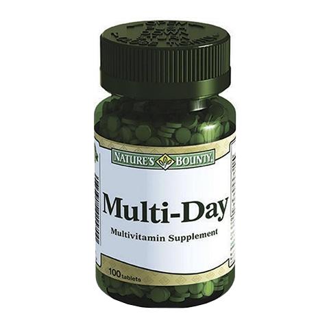 Нэйчес Баунти Витаминный комплекс Мультидэй (100 таблеток)Здоровье<br>Natures Bounty Multi-Day (Нэйчес Баунти Витаминный комплекс Мультидэй). <br>Для нормального функционирования наш организм должен ежедневно получать все необходимые нутриенты. Комплекс Natures Bounty Multi-Day содержит оптимальные дозы витаминов, важных для полноценной работы всех систем организма. Шесть витаминов группы В (B?, B?,B?, B?, B?, B??) поддерживают высокую физическую и умственную работоспособность, укрепляют нервную систему, помогают справиться со стрессом .<br>Витамины А, С и Е борются с окислительным стрессом, поддерживают здоровье кожи, сосудов, костной и суставной ткани, сердца, органов зрения, а также укрепляют иммунитет. Витамин D необходим для улучшения всасывания кальция и фосфора, а также правильного распределения их в организме. Прием Нэйчес Баунти Витаминного комплекса Мультидэй нормализует обменные процессы, улучшает самочувствие и помогает сохранить красоту.<br>Активные компоненты: <br>витамины группы В поддерживают работу нервной системы и мозга, повышают настроение, участвуют в образовании эритроцитов, а также превращении питательных веществ в энергию; <br>витамин С укрепляет иммунитет, снижает хрупкость стенок кровеносных сосудов, участвует в синтезе коллагена; <br>витамин А проявляет антиоксидантные свойства, отвечает за работу органов зрения; <br>витамин D необходим для здоровья костной ткани, зубов, ногтей, улучшает работу сердечно-сосудистой системы; <br>витамин Е – универсальный антиоксидант, поддерживает здоровье кожи, волос, ногтей, необходим для здоровья репродуктивной системы женщины. <br>Без консервантов<br>Не содержит сахара, подсластителей, лактозы, глютена.<br><br>Тип кожи: всех типов